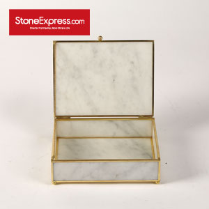 Carrara White Dressing Case